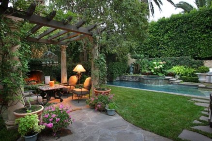 Beautiful Romantic Backyard Garden Ideas You Have To Try 26